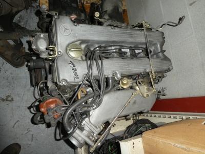 MERCEDES 107 280 MOTOR MET 138.000 KM